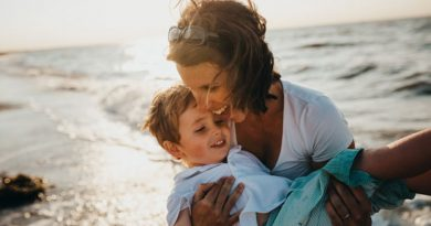 Five Beach Items Every Parent with Toddlers Should Bring