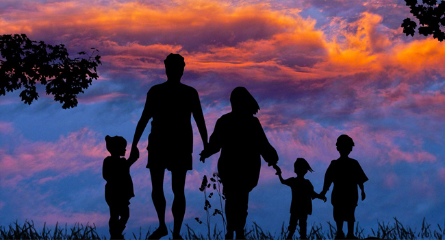 8 Responsibilities That Parents Must Carry Out While Growing Their Children